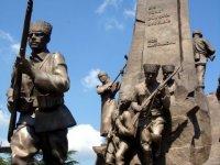 Kastamonu Atatürk ve Şerife Bacı Anıtı